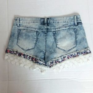 acid wash embroidered crochet trim  jean shorts